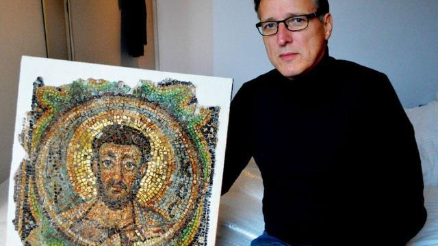Nederlandse kunstdetective geeft Byzantijns kunstwerk terug aan ambassade Cyprus