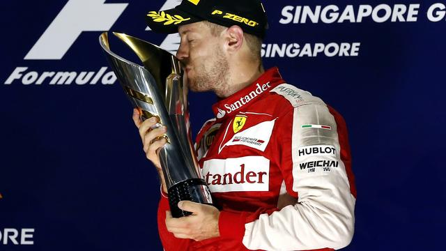 Vettel denkt na winst in Singapore dat Mercedes nog 'te pakken' is