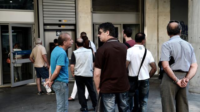 'Griekse pinautomaten zeker tot maandag gevuld'