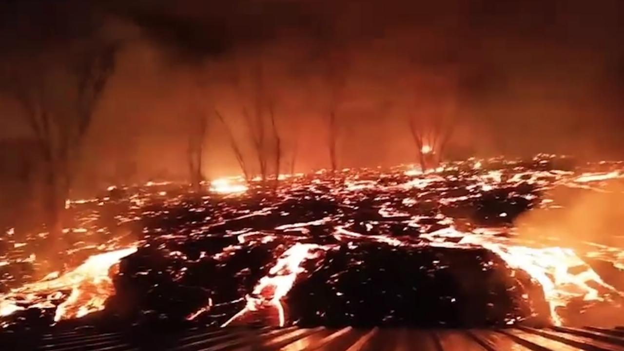 Hawaïaan filmt hoe lava gevaarlijk dicht bij huis komt