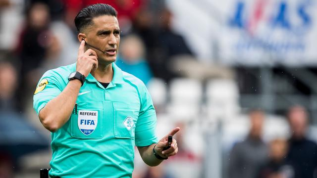 Gözübüyük kan ermee leven dat hij Heerenveen geen penalty gaf tegen Ajax