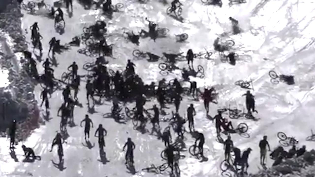 Honderden mountainbikers onderuit bij wedstrijd op Franse piste