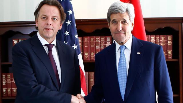Koenders en Kerry overleggen over Syrië-bestand