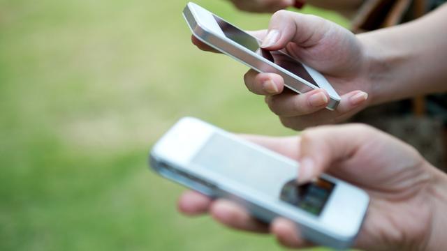 'Mobiele providers laten wanbetalers noodgedwongen met rust'