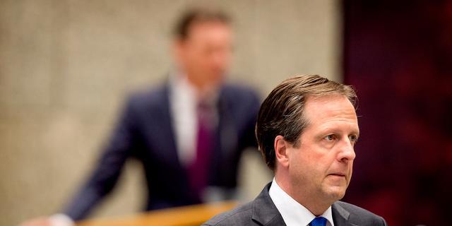 Pechtold hekelt tweet Wilders over pro-shariademonstratie