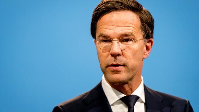 Rutte blijft volgens VVD-prominent 'te lang achter zijn mensen staan'