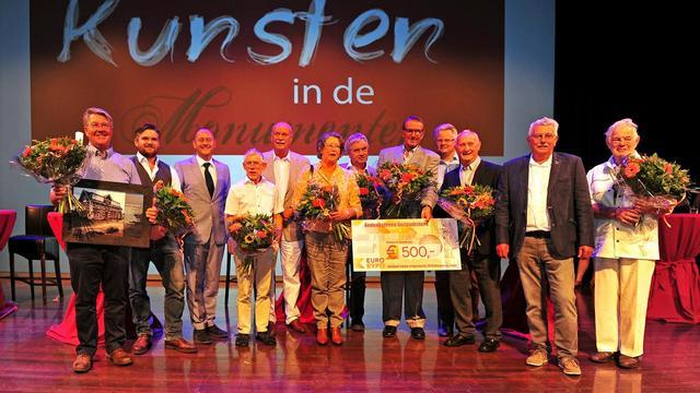 Gedenksteen in de Gertrudiskerk winnaar lokale erfgoedprijs
