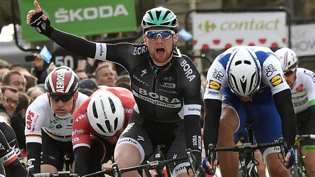 Bennett verrast topsprinters in derde etappe Parijs-Nice