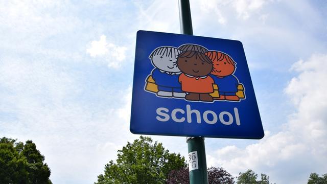 Dick Bruna-borden bij Halderbergse scholen