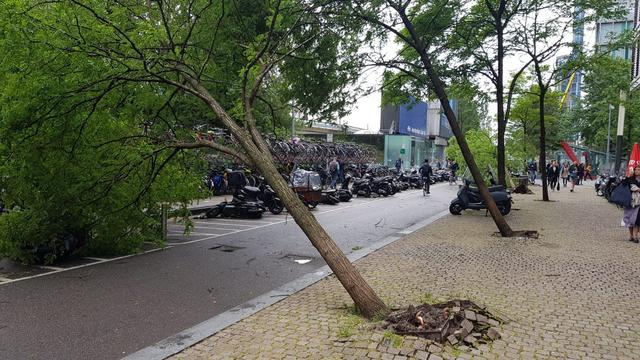 Storm zorgt opnieuw voor flinke schade en overlast in Amsterdam