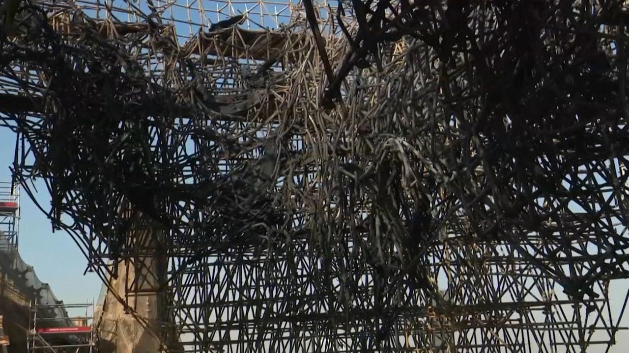 Nieuwe beelden van verwoesting in afgebrande Notre-Dame