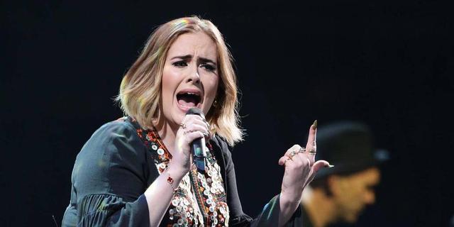 Waarom we geen genoeg kunnen krijgen van Adele in ons leven