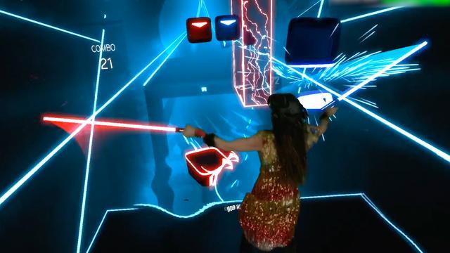 VR-game laat spelers op maat van muziek met lightsabers hakken