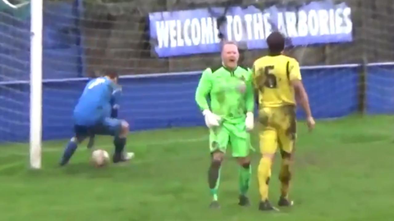 Engels amateurteam komt in bizarre slotminuut terug van 1-3 tot 3-3