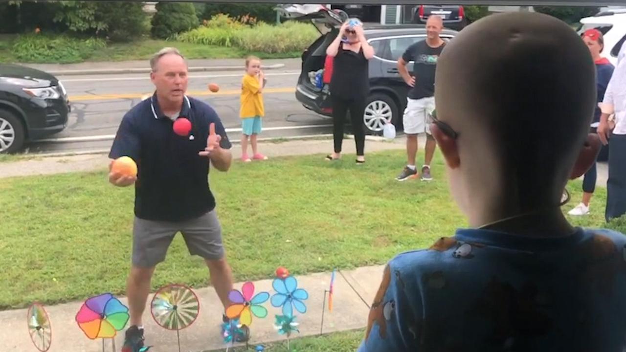 Buurt loopt uit om zieke jongen (3) op te vrolijken in VS