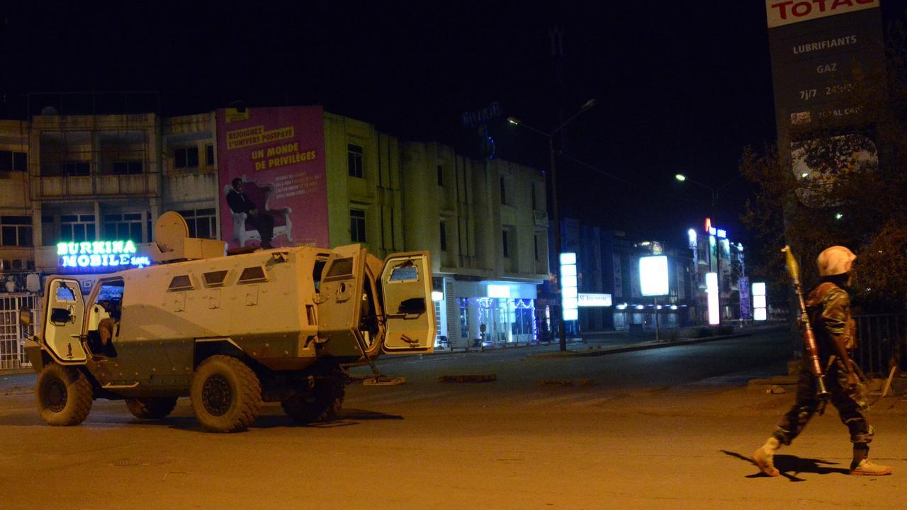 Terroristen vallen hotel Burkina Faso aan