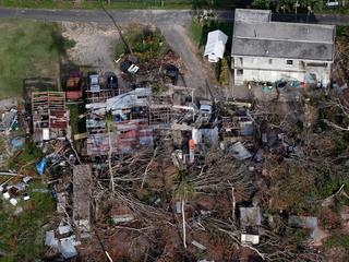 Eiland heeft twaalf dagen na orkaan nog geen schoon water of elektriciteit
