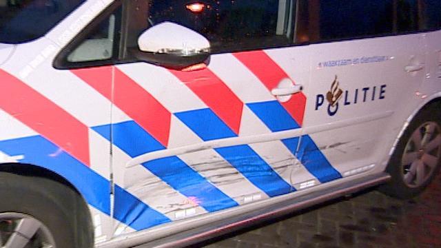 Politie in Emmen lost schot op automobilist die agent meesleurt