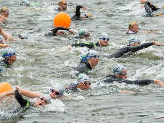 City Swim haalde geld op voor strijd tegen kanker