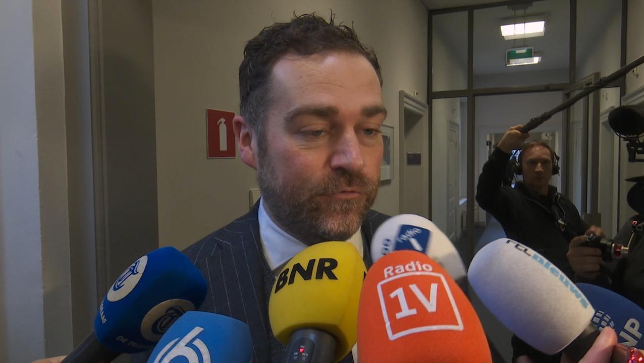 Dijkhoff voelt zich alsof VAR op laatste moment doelpunt afkeurt