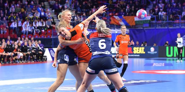 Handbalsters lijden tegen angstgegner Noorwegen eerste nederlaag op EK