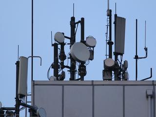 Experts: Drukte voorlopig geen probleem voor mobiele providers