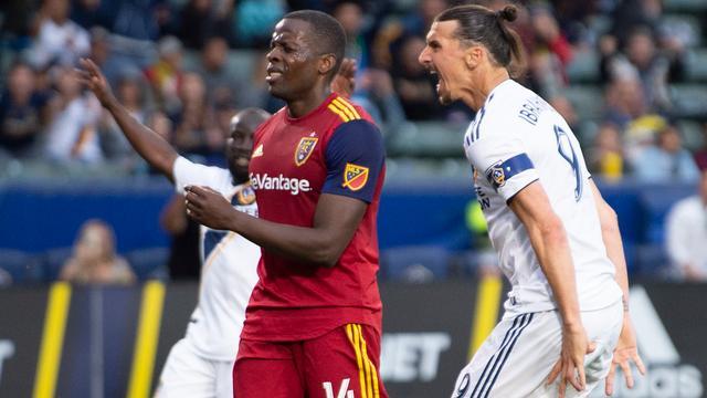 Onuoha weigert excuses Ibrahimovic na provocaties tijdens wedstrijd