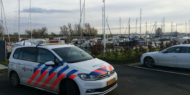Man (58) verdwenen in haven bij De Heen