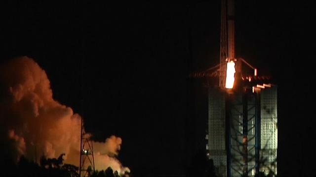 China lanceert satelliet voor verkenning achterkant maan