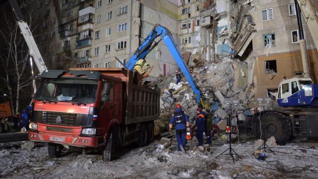 Dodental na instorten flat in Rusland stijgt naar achttien
