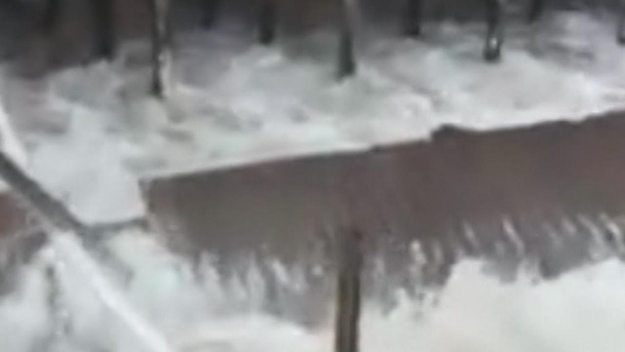 Pier in VS stort in door naderende orkaan Florence