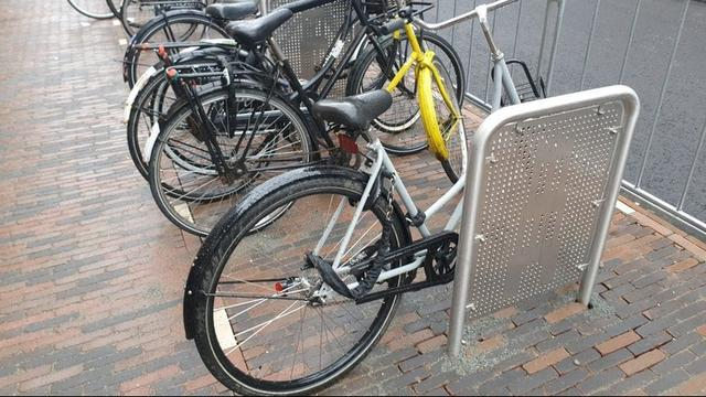 Aanpassen van fietsnietjes in Utrechtse Voorstraat gaat 6.500 euro kosten