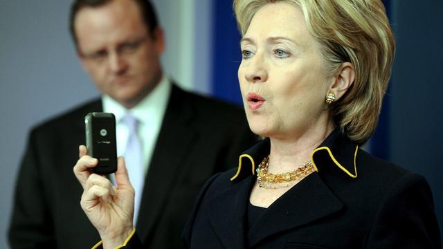 Hillary Clinton beschuldigt China van stelen overheidsgeheimen VS