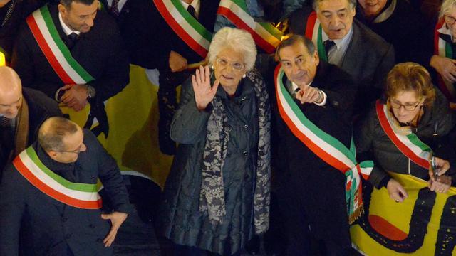 Italiaanse burgemeesters steunen bedreigde Holocaustoverlevende