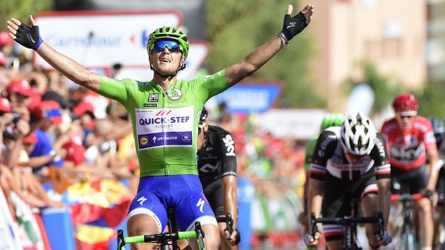 Derde ritzege Trentin in Vuelta, Kelderman klimt naar vierde plaats