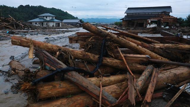 Duizenden mensen geëvacueerd in Japan na hevige regenval