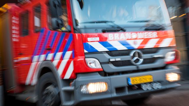 Grote brand legt loods in Achtmaal in as