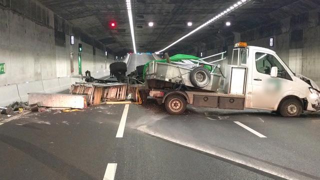Verkeer rond Amsterdam loopt vast door ongelukken