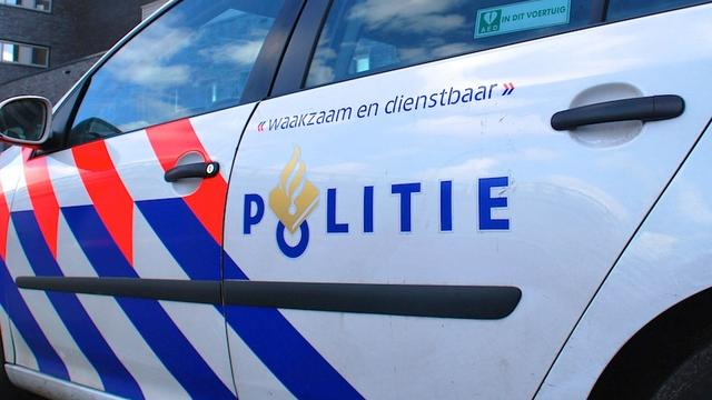 Tweetal slaat op de vlucht na aanrijding Wibautstraat