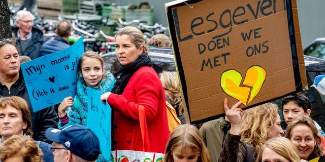 Duizenden scholen dicht vanwege staking, protesten in heel Nederland