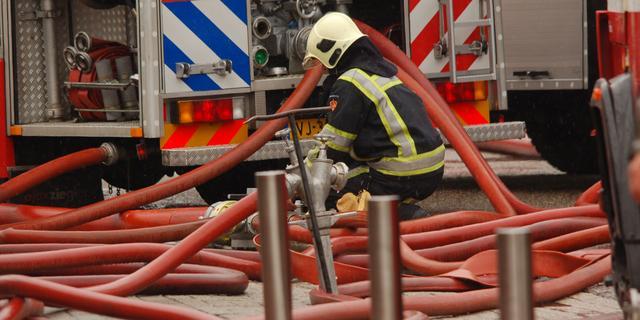 Woningen ontruimd na brand in leegstaande school Franeker
