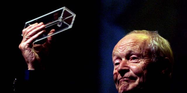 Guus Kuijer (75) wil gelovigen niet kwetsen