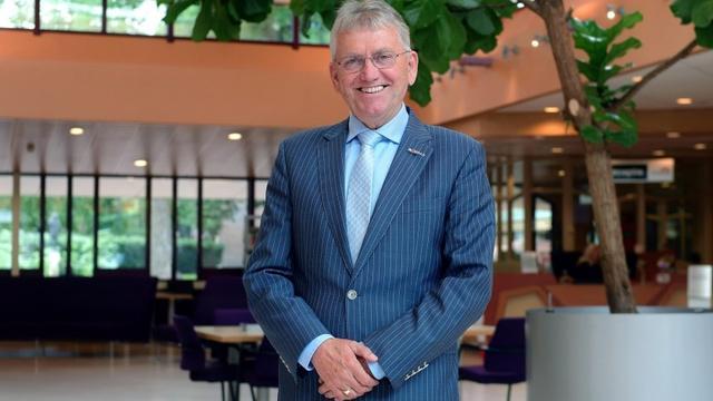 Wethouder Jan van Hal neemt vervroegd afscheid van gemeente Etten-Leur