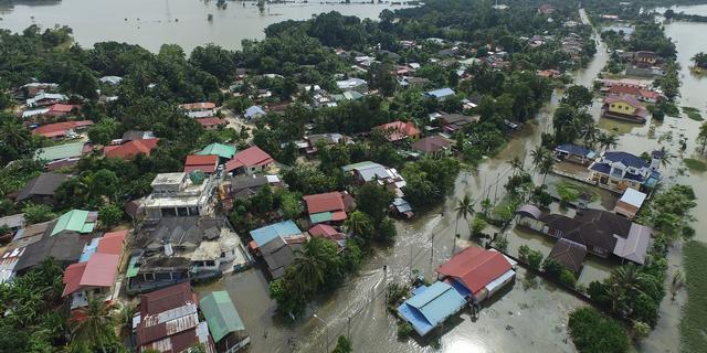 Zeker 25 doden bij overstromingen in Thailand