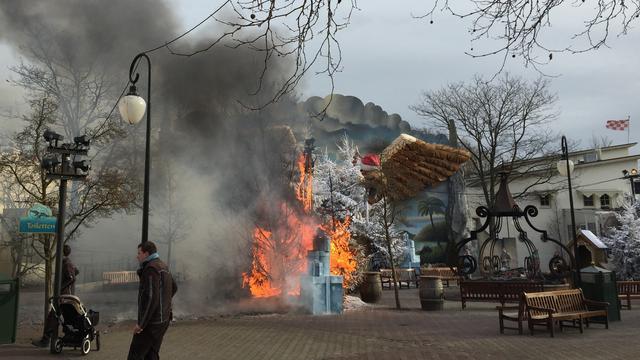Twee attracties Efteling tijdelijk gesloten na brand in bomen