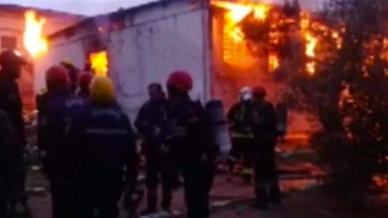 Vlammen slaan uit drugskliniek in Azerbeidzjan