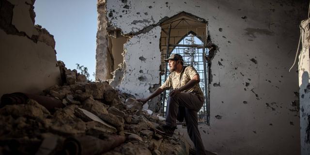 Generaal Haftar terug naar Libië zonder ondertekening wapenstilstand