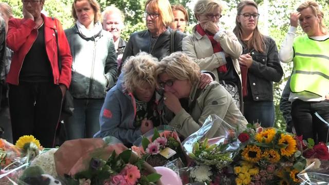 Leraren emotioneel bij herdenking overleden kinderen Oss