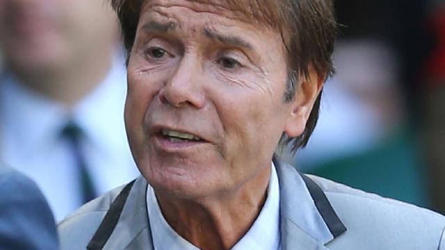 'Cliff Richard kan niet slapen na verzoek tot herziening misbruikzaak'