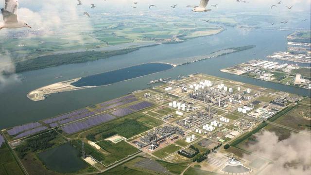 Shell ontwikkelt park met 50.000 zonnepanelen in Moerdijk